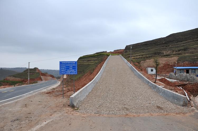 临洮段加强避险车道养护
